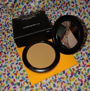 🎉 FLASH SALE MAC STUDIO FIX POWDER + FOUNDATION🎉